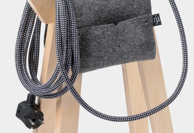 Textilkabel-schwarz-mit-weissen-Punkten